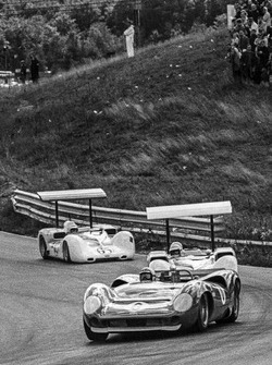 Mark Donohue, Lola T70-Chevrolet, leads Jim Hall, Chaparral 2E-Chevrolet and Phil Hill, Chaparral 2E