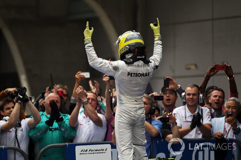 На Гран При Китая-2012 Нико Росберг одержал первую победу в карьере, а Mercedes впервые выиграла Гран При с момента полноценного возвращения в Ф1 в 2010 году
