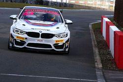 #43 BMW M4 GT4