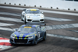 #21 Muehlner Motorsports America Porsche Cayman GT4 Clubsport MR: Gabriele Piana, #1 Blackdog Speed Shop Chevrolet Camaro GT4.R: Lawson Aschenbach
