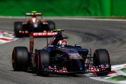 Daniil Kvyat, Scuderia Toro Rosso STR9, Pastor Maldonado, Lotus E22