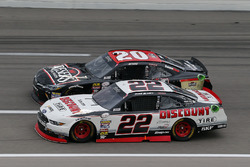Erik Jones, Joe Gibbs Racing Toyota, Ryan Blaney, Team Penske Ford