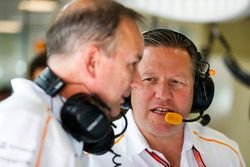 onathan Neale, director ejecutivo, McLaren, y Zak Brown, director general, McLaren Technology Group