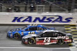 Aric Almirola, Stewart-Haas Racing, Ford Fusion Smithfield and Clint Bowyer, Stewart-Haas Racing, Haas 30 Years of the VF1