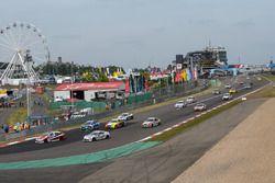 #122 Toyota Gazoo Racing-Team Thailand Toyota Corolla Altis: Supaphongs, Chen Jian-Hong, Arthit Ruengsomboon