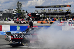 Kyle Busch, Kyle Busch Motorsports, Toyota Tundra Cessna celebrates after winning