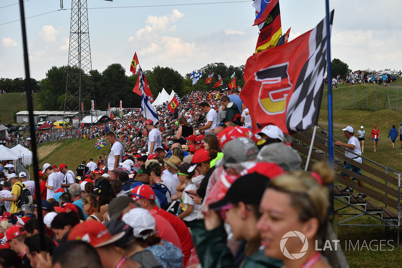 A Magyar Nagydíj rajongói a Hungaroringről