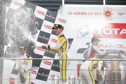 Podyum: #99 ROWE Racing BMW M6 GT3: Jens Klingmann, Nicky Catsburg, Alexander Sims