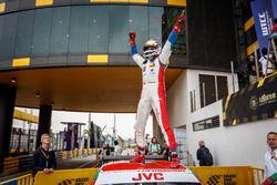 Il vincitore della gara Mehdi Bennani, Sébastien Loeb Racing, Citroën C-Elysée WTCC