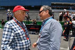 Niki Lauda, Presidente no ejecutivo de Mercedes AMG F1, Alejandro Soberón, Presidente y CEO de Grupo CIE y Presidente de Fórmula 1 Gran Premio de México