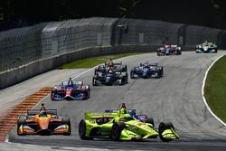 Simon Pagenaud, Team Penske Chevrolet, Zach Veach, Andretti Autosport Honda
