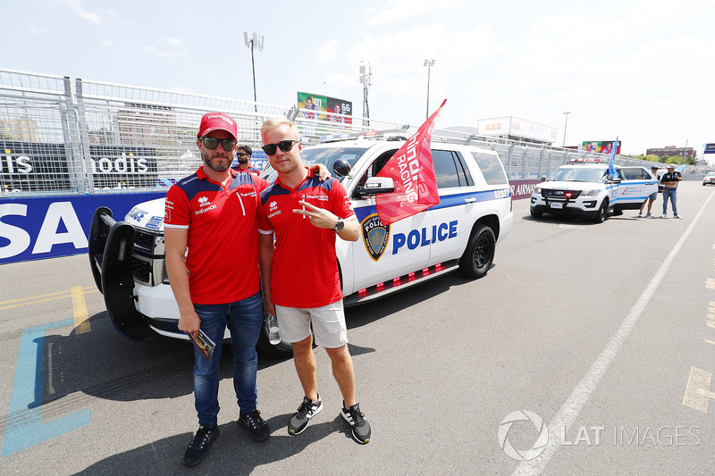 Nick Heidfeld, Mahindra Racing, Felix Rosenqvist, Mahindra Racing, at the drivers parade