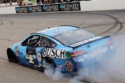 1. Kevin Harvick, Stewart-Haas Racing, Ford Fusion Busch Beer