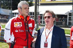 Maurizio Arrivabene, Ferrari Teambaas en Louis Camilleri, voorzitter Philip Morris