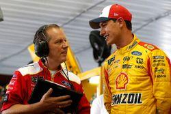 Todd Gordon and Joey Logano, Team Penske, Ford Fusion Shell Pennzoil