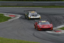 #61 R. Ferri Motorsport Ferrari 488 GT3: Toni Vilander, Miguel Molina, #24 Alegra Motorsports Porsch