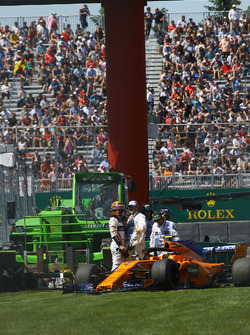 Stoffel Vandoorne, McLaren MCL33 après avoir touché le mur