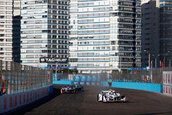 Jose Maria Lopez, Dragon Racing,leads Felix Rosenqvist, Mahindra Racing, Nelson Piquet Jr., Jaguar R