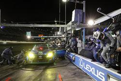 Пит-стоп: Джек Хоксворт, Скотт Прюэтт, Давид Хайнемайер Ханссон, Доминик Фарнбахер, 3GT Racing, Lexus RCF GT3 (№15)