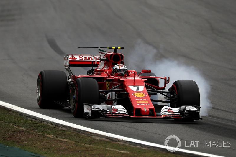 Kimi Raikkonen, Ferrari SF70H bloquea los frenos