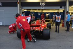 Ferrari SF71H podczas kontroli
