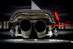 #88 Proton Competition Porsche 911 RSR egzoz detay