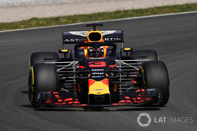 2. Daniel Ricciardo, Red Bull Racing RB14 with aero sensors