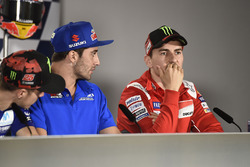 Андреа Янноне, Team Suzuki MotoGP, и Хорхе Лоренсо, Ducati Team