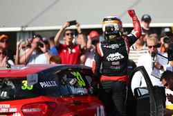 Ganador de la carrera Adam Morgan, Ciceley Motorsport Mercedes-Benz A-Class