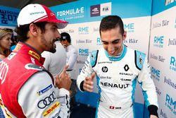 Lucas di Grassi, Audi Sport ABT Schaeffler, parle à Sébastien Buemi, Renault e.Dams, dans la zone mixte