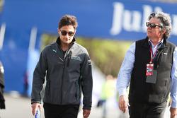 Mitch Evans, Jaguar Racing, camina por la pista