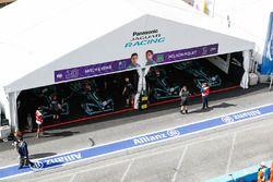Garages on Mitch Evans, Jaguar Racing, Nelson Piquet Jr., Jaguar Racing