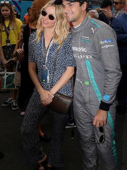 L'attrice Sienna Miller con Alejandro Agag, CEO, Formula E