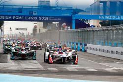 Felix Rosenqvist, Mahindra Racing, Sam Bird, DS Virgin Racing, Mitch Evans, Jaguar Racing, lead the ePrix