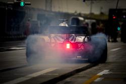 Lance Stroll, Williams FW41 Mercedes, in pit lane