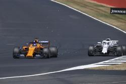 Fernando Alonso, McLaren MCL33 overtakes Lance Stroll, Williams FW41