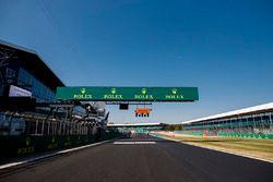 Silverstone Circuit: Start/finish straight