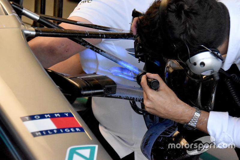 La suspensión delantera del Mercedes AMG F1 W09.