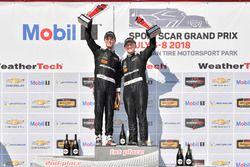 #33 Riley Motorsports Mercedes AMG GT3, GTD: Jeroen Bleekemolen, Ben Keating, festeggiano la vittoria sul podio nella Victory Lane