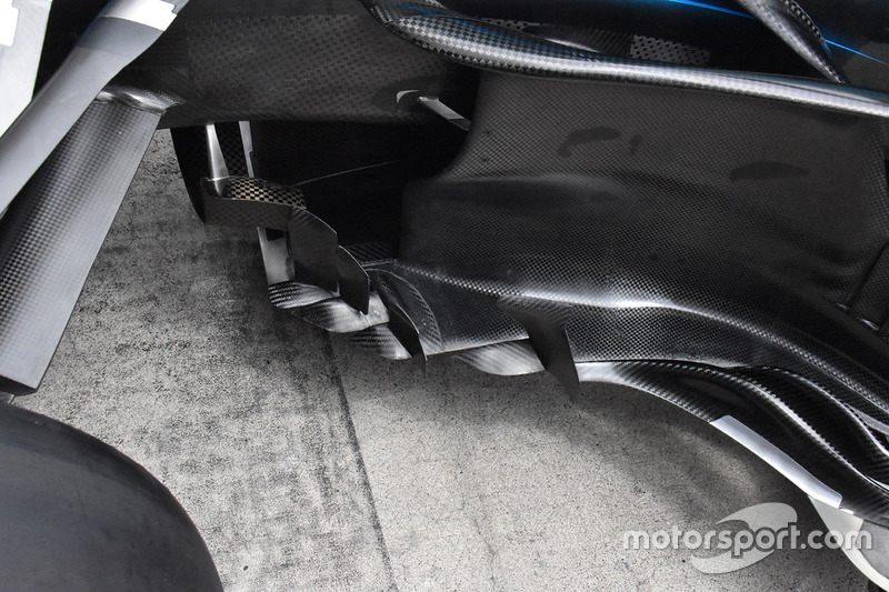 Mercedes-AMG F1 W09 bargeboards detail