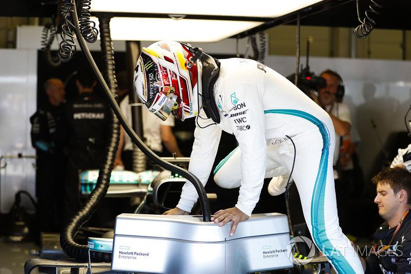 Drama para Mercedes, liderato para Vettel