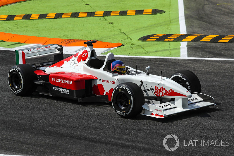 Jacques Villeneuve, F1 Experiences 2-Seater Driver