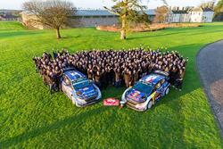 Sébastien Ogier, Julien Ingrassia, M-Sport, Ford Fiesta WRC, Ott Tänak, Martin Järveoja, M-Sport, Ford Fiesta WRC fêtent la victoire avec l'équipe