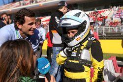 Pedro de la Rosa, meets a junior RACC Karter