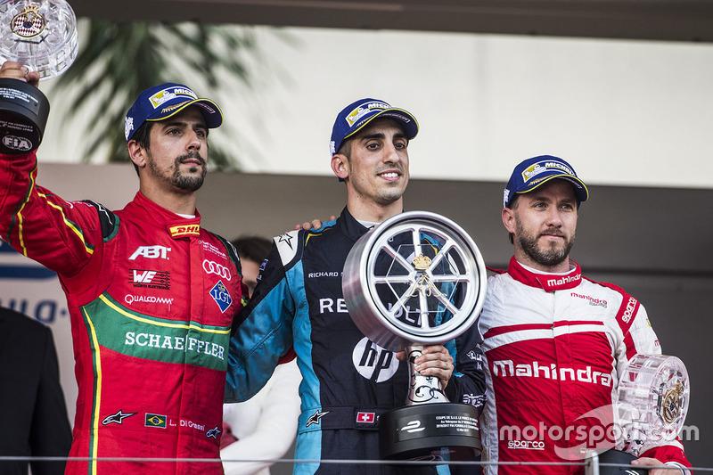 Podio: ganador de la carrera Sébastien Buemi, Renault e.Dams, segundo lugar Lucas di Grassi, ABT Schaeffler Audi Sport, y tercer lugar Nick Heidfeld, Mahindra Racing