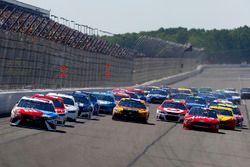Kyle Busch, Joe Gibbs Racing Toyota, Matt Kenseth, Joe Gibbs Racing Toyota, Kurt Busch, Stewart-Haas
