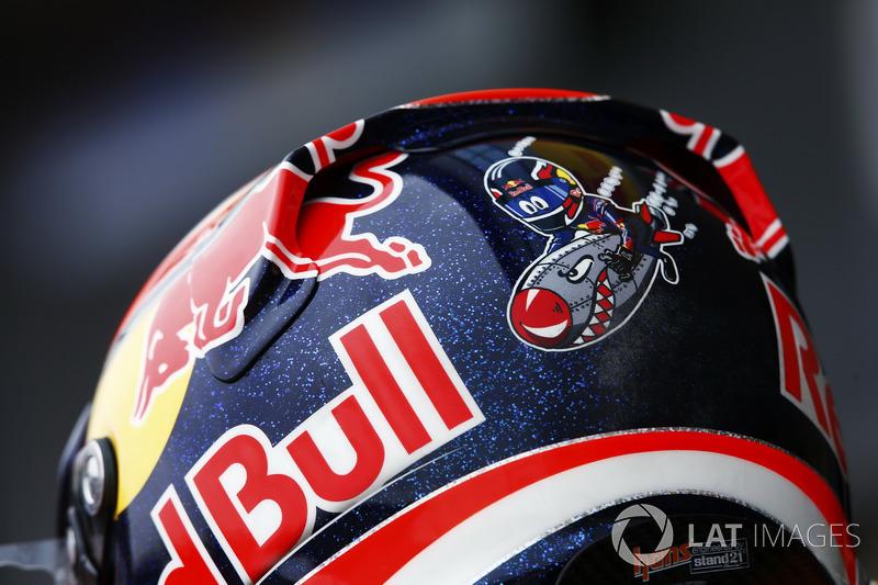L'arrière du casque de Daniil Kvyat, Scuderia Toro Rosso