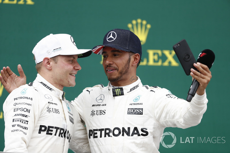 Podium:  Race winner Lewis Hamilton, Mercedes AMG F1, takes a photo of Second place Valtteri Bottas, Mercedes AMG F1