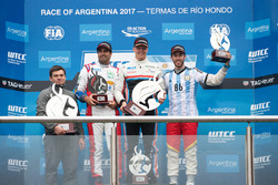Podium: winner Yann Ehrlacher, RC Motorsport, second place Esteban Guerrieri, Campos Racing, third p