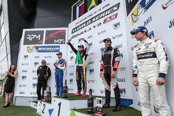 Podium: 2. Egor Orudzhev, AVF; 1. Pietro Fittipaldi, Lotus; 3. Roy Nissany, RP Motorsport; bester Ro